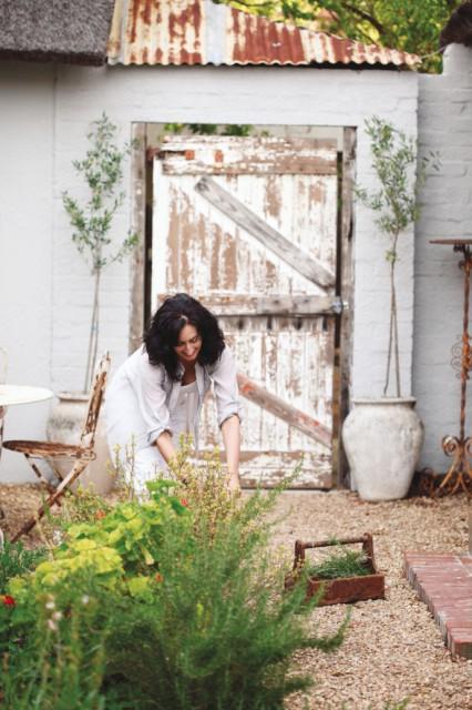 Nelia-de -wet-gardening-via-marinagiller.com